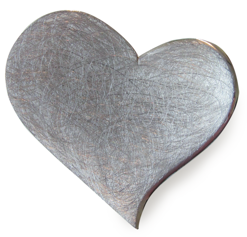 Ein silber-graues Herz aus Metall